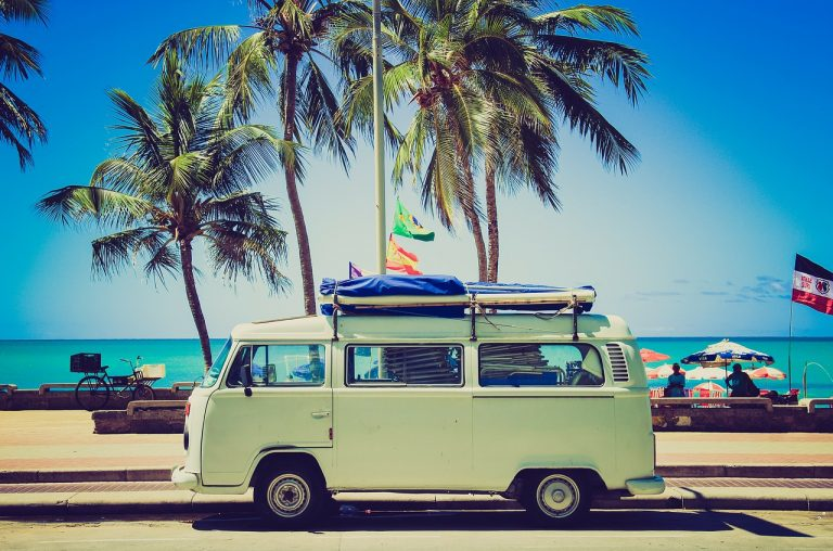 Je voyage, j'apprends, je grandis, je deviens