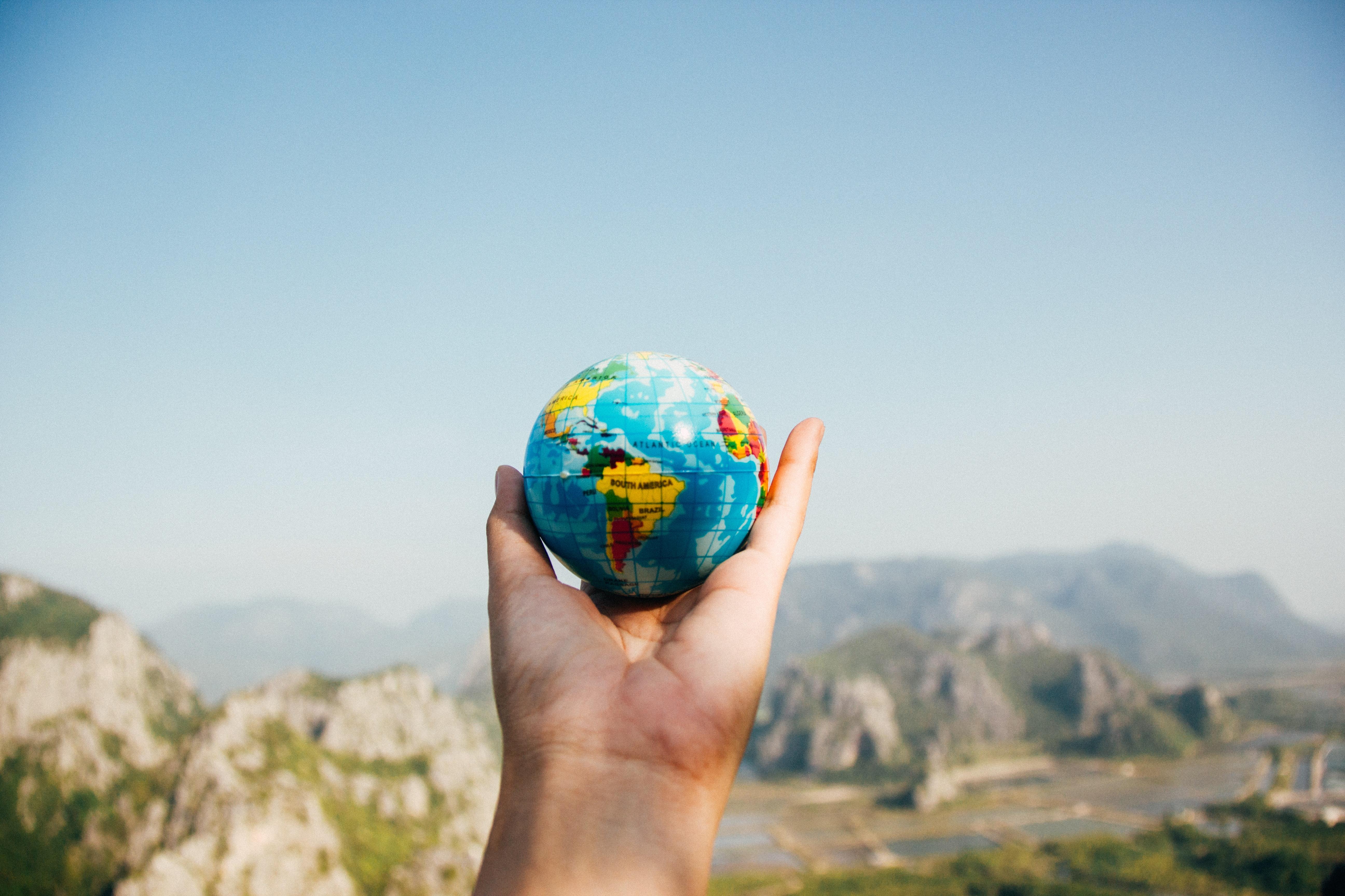 Le monde est si vaste...