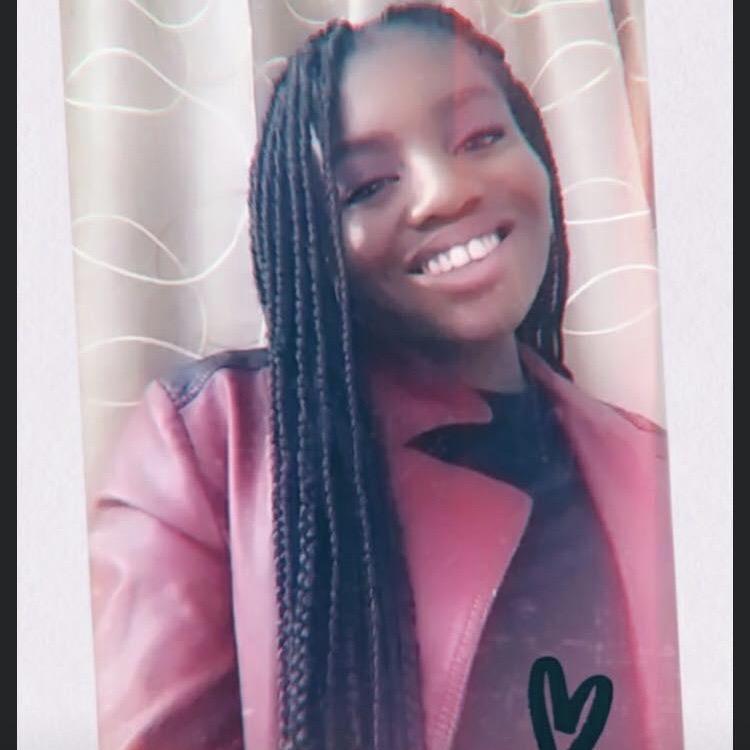 Nelly Mengou Ewans - École secondaire de Mirabel